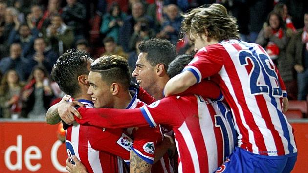 Tony Sanabria celebra junto a sus compañeros uno de los tres goles logrados ante Las Palmas