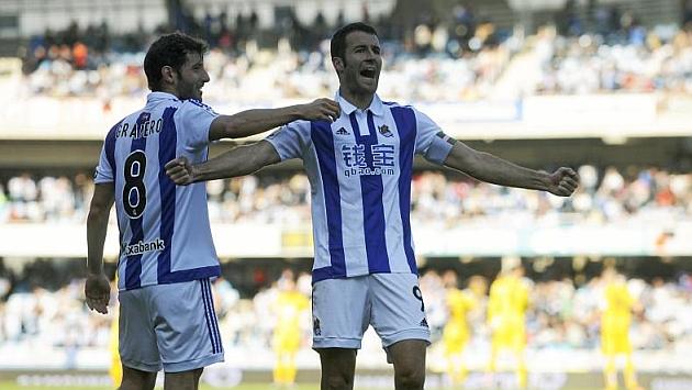 Agirretxe celebra un gol ante el Eibar. Foto: Josune Mtz. de Albeniz (MARCA).