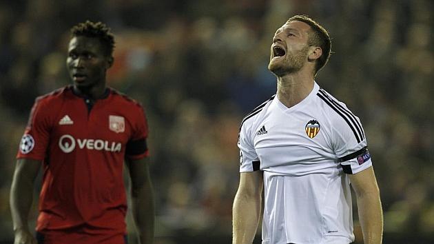 Mustafi se lamenta ante el Lyon