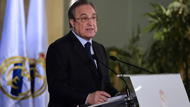 Florentino en la rueda de prensa posterior a la sanción copera del Madrid