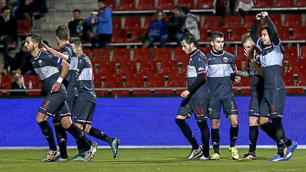 Los jugadores del Elche celebran el gol de Sergio León. Foto: Eddy Kelele (MARCA).