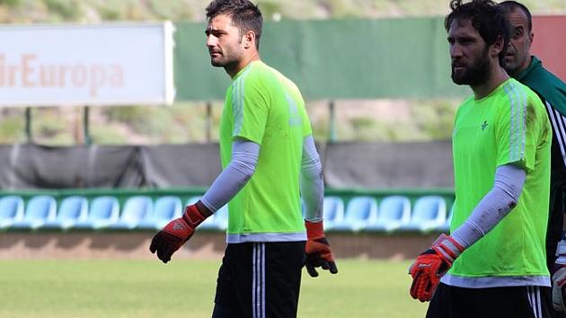 Adán, entrenándose en la Ciudad Deportiva de la U.D. Las Palmas   Foto: Real Betis