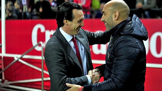 Abelardo saluda a Emery antes del comienzo del partido
