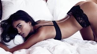 Kelly Gale sorprende más sensual que nunca