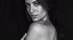 La venezolana más sexy se desnuda