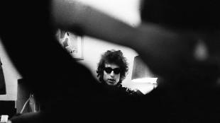 Bob Dylan, 76 años de música y literatura