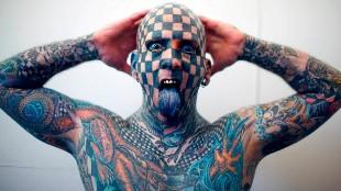 El Hombre Ajedrez y otros 'locos' de los tatuajes que te dejarán con la boca abierta