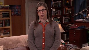 El irreconocible aspecto de Mayim Bialik, Amy en 'The Big Bang Theory'