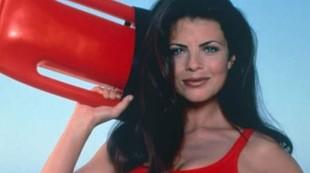 ¿Recuerdas a Yasmine Bleeth, de 'Los Vigilantes de la Playa'? ¡Así de irreconocible está ahora!