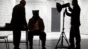 Las 20 canciones más usadas por la CIA para torturar