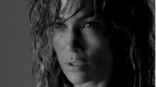 Jennifer Lopez levanta envidias luciendo cuerpazo a sus 50 años