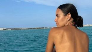 """Cristina Pedroche, """"una sirena"""" en el mar: su posado más sexy junto a Dabiz Muñoz"""