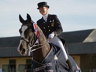 Ferrer Salat con su caballo Fabergé