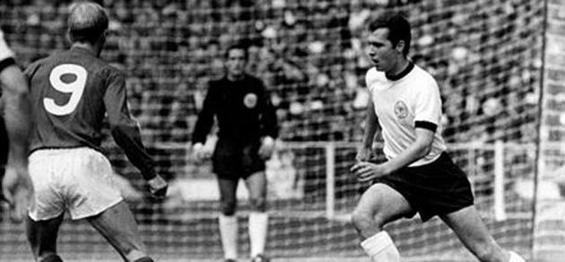 Partido entre Alemania e Inglaterra. FOTO: FIFA.com