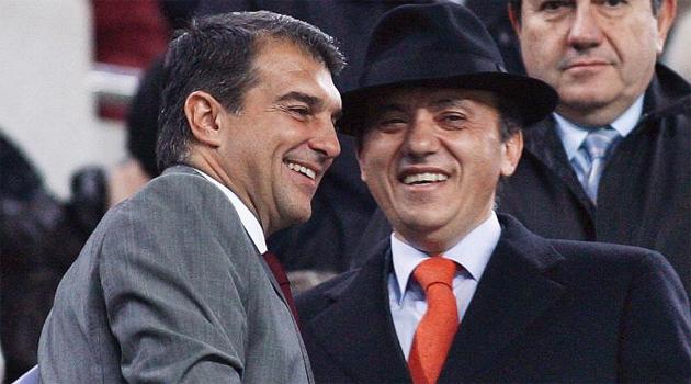 Joan Laporta y Jos� Mar�a del Nido se saludan en el Camp Nou.