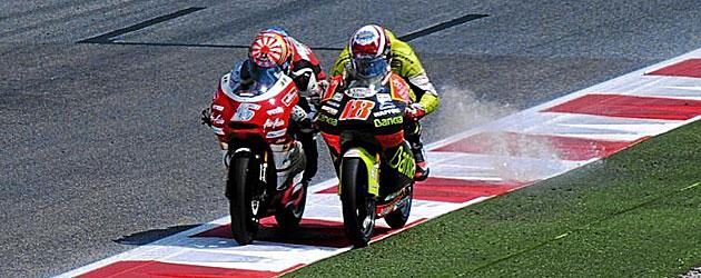Zarco saca a Terol de la pista en la misma recta de meta en Montmeló. MARCA