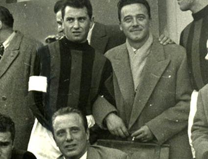 Valleti, tras la guerra, con Bonomi, capitán del Milan.