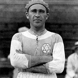 Bela Guttman, con la camiseta del Hakoah Viena