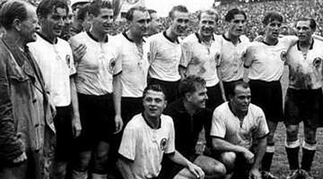 Herberger, con la Alemania campeona en 1954