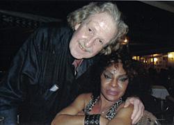 Poerner, con Elza Soares, en mayo de 2010