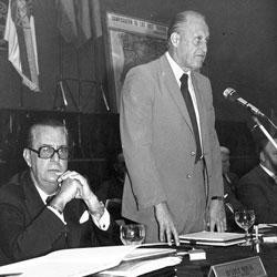 Porta junto a Havelange, entonces presidente de la FIFA.