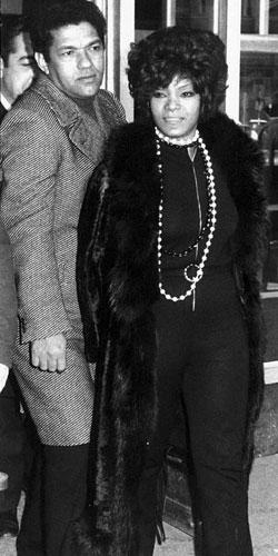 Garrincha y Elza Soares 21555418 (Archivo Marca)